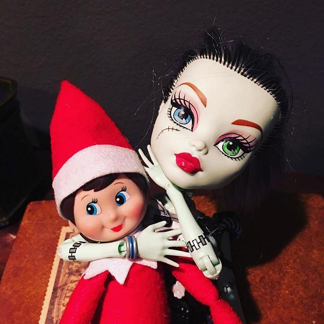 Elf Choke! #elfontheshelf #jiujitsu #bjj #sleepytime #rearnakedchoke