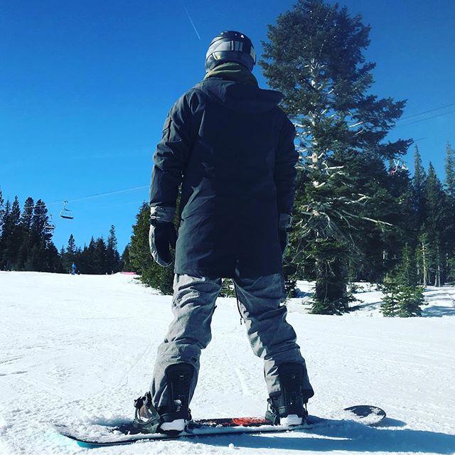 Toes #snowboarding #mammoth #permeda #adventures